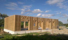 ساخت خانه های چوبی با کاه